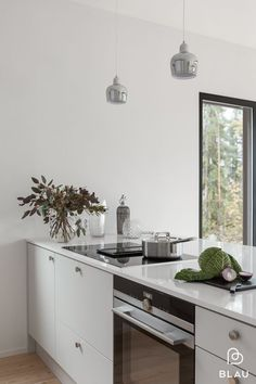 Breakfast bar island ikea kitchen 42 ideas for 2019 Kitchen Interior, Kitchen Flooring, Kitchen Decor, Kitchen Dining Room, Grey Kitchen Colors, Home Kitchens, Grey Kitchen Floor, Kitchen Design, Ikea Kitchen