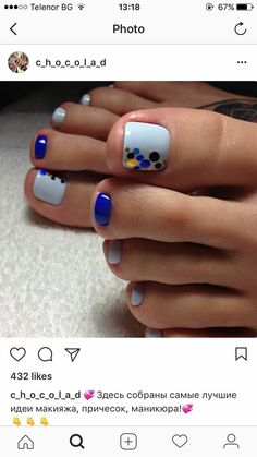 Make an original manicure for Valentine's Day - My Nails Pedicure Colors, Pedicure Nail Art, Toe Nail Art, Pedicure Ideas, Summer Pedicure Designs, Pretty Toe Nails, Cute Toe Nails, Manicure, Summer Toe Nails