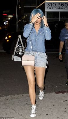 Kylie Jenner flaunts derriere in ripped denim hot pants on night out Kylie Jenner Daily, Kylie Jenner Fotos, Kylie Jenner Outfits, Kylie Jenner Style, Kendall And Kylie Jenner, Kim Kardashian Sisters, Estilo Kardashian, Kardashian Style, Kardashian Jenner