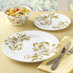 3-Pc. Round Melamine Dinnerware Set with Gold Pattern - An outdoor cookout served atop these dishes would make it taste that much more delicous! #TheUltimateBrylaneHome #Sweeps