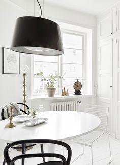 kitchen-Thonet-chairs.jpg (750×1030)