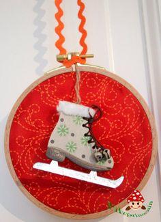How to make this: http://www.filzprinzessin.com/diy-upcycling/dekoratives/deko-im-stickrahmen/
