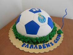 FC Porto Football Club Cake Fondant Cakes, Cupcake Cakes, Cupcakes, 33rd Birthday, Birthday Cakes, Cake Decorating, Decorating Ideas, Sport Cakes, Fc Porto
