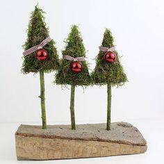 O Christmas tree . Handmade Christmas Tree, Whimsical Christmas, Christmas Flowers, Christmas Gnome, Green Christmas, Rustic Christmas, All Things Christmas, Christmas Holidays, Christmas Tree Decorations