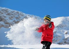 Wenn es um dieperfekten Skigebiete für Familien mit Kindern geht, weiß selbst ich als absoluter Anfänger, worauf es ankommt. Und jetzt, da ich die Lieblingsskigebiete der Familienreiseblogger kenne, weiß ich, dass ich nicht lange suchen muss, falls wirmal wieder nach einem passenden Skigebiet für den nächsten Winterurlaub Ausschau halten. Weißer Pulverschnee, das Glitzern der Sonne [...]