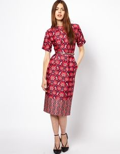 """ASOS Wiggle Dress In Wallpaper Border Print """"Wallpaper"""" not a selling point but clever use of the print. Two pleats in front, slight boat neck, zipper in back - relocate to side"""