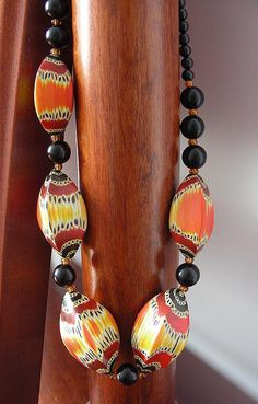 beautiful beads - by Claire Wallis. They look a lot like Desiree McCrorey's Butterfly beads.