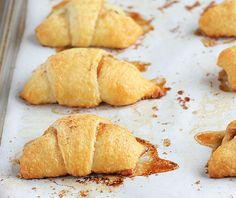 •Apple Pie Bites -Delicious, quick & easy mini apple pies made with Pillsbury crescent rolls in less than 30 minutes!