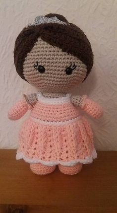 Ravelry: Weebee Princess Doll pattern by Laura Tegg  downloaded  Weebee_Big_Head_Princess_Baby_Doll