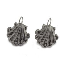 Joyeria Plata y Azabache Artesania Galicia Home Page Silver and Black Jet Crafts Jewelry Crafts Tax Free, Shell Earrings, Jewelry Crafts, Shells, Arts And Crafts, Traditional, Jewels, Sterling Silver, Handmade