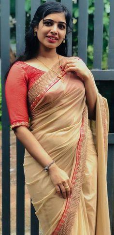 Beautiful Girl Indian, Beautiful Saree, Beautiful Indian Actress, Beautiful Models, Beautiful Actresses, Cute White Dress, Traditional Silk Saree, Saree Poses, Grace Beauty