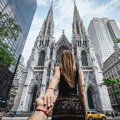 236. #followmeto St. Patrick's cathedral in NYC (photo series by Russian Photographer, Murad Osmann) New York Pictures, New York Photos, St Patricks Cathedral Nyc, Photographie New York, Murad Osmann, New York Photography, Photography Courses, Photography Camera, Photography Ideas