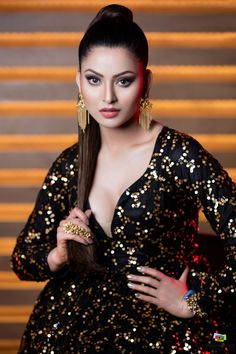 As fashion is the trend setter in the industry, here are some stunning pictures of hot celebrities that you must check out. Most Beautiful Bollywood Actress, Bollywood Actress Hot Photos, Indian Bollywood Actress, Bollywood Girls, Beautiful Actresses, Tamil Actress, Bollywood Fashion, Beautiful Girl Photo, Beautiful Girl Indian