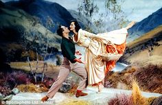 Brigadoon- Gene Kelly, Cyd Charisse and the Highlands of Scotland *sigh* Gene Kelly, Golden Age Of Hollywood, Classic Hollywood, Old Hollywood, Hollywood Style, Old Movies, Great Movies, I Movie, Movie Stars