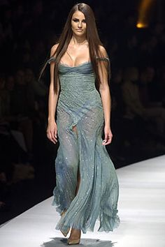 Versace Fall 2003 Ready-to-Wear Fashion Show: Complete Collection - Style.com