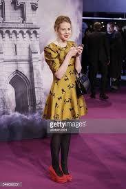 Resultado de imagen para zoe boyle Zoe Boyle, Dresses With Sleeves, Long Sleeve, Fashion, Moda, Sleeve Dresses, Long Dress Patterns, Fashion Styles, Gowns With Sleeves