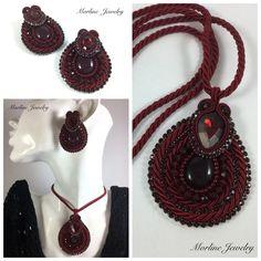 Morline Jewelry Parure VALENTINE Ciondolo e orecchini finemente lavorati a mano in tecnica embroidery e soutache, composti da cabochon in resina, strass, cristalli, conteria e cordoncino in tinta. #soutache #embroidery