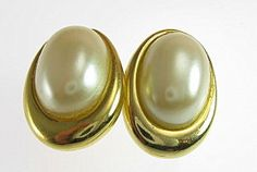 """Shiny gold tone #vintage oval synthetic pearl cabochon earrings with a beautiful luster. The back post is centered at the top of the earring.  Size: 3/4"""" L x 1/2"""" W Approxim... #wedding #jewelry #ecochic #teamlove #ezvintagefinds"""