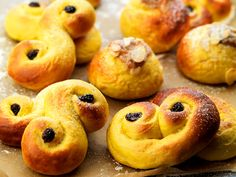lussekatter -- recipe by Leif Mannerström Swedish Cookies, Hot Cocoa Recipe, Swedish Recipes, Fika, Doughnut, Tart, Sweet Tooth, Food And Drink, Favorite Recipes