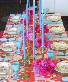 color combo for gorgeous tablescape - My Grsndmother gave me those gorgeous blue goblets!!!!