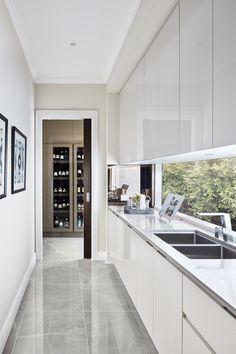 Indian Home Interior Galley Kitchen Design, Modern Kitchen Design, Interior Design Kitchen, Interior And Exterior, Home Decor Kitchen, Home Kitchens, Küchen Design, House Design, Kitchen Butlers Pantry