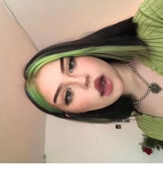 Black and green hair color Best Picture For DIY Hair Color tutorial For Your Taste You are looking for something, and it is going to tell you exactly what you are looking for, and you didn't find that Split Dyed Hair, Dyed Hair Men, Half Dyed Hair, Dyed Hair Purple, Dye My Hair, Dyed Hair Pastel, Dyed Black Hair, Black And Green Hair, Hair Color For Black Hair