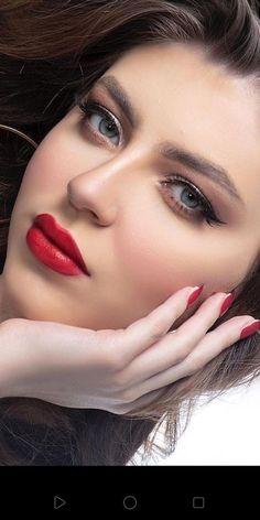 Beautiful Girl Photo, Beautiful Eyes, Stylish Girl, Bellisima, Girl Photos, Pretty Girls, Septum Ring, Makeup Looks, Make Up