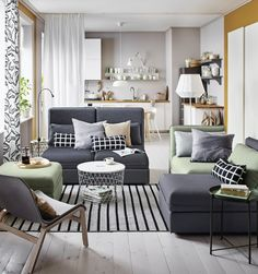 VALLENTUNA 2-zitsbank | IKEAcatalogus nieuw 2018 IKEA IKEAnl IKEAnederland bank sofa zitbank modulair inspiratie wooninspiratie interieur wooninterieur kamer woonkamer VIVAN gordijnen KVISTBRO opbergtafel keuken