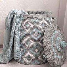 Crochet ideas that you'll love Crochet Home Decor, Crochet Crafts, Crochet Projects, Crochet Basket Pattern, Crochet Patterns, Crochet Baby, Knit Crochet, Crochet Carpet, Fabric Yarn