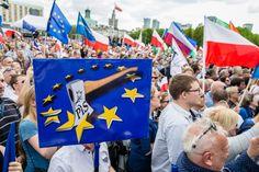 """""""Die Mitgliedstaaten sollten, wie es das Europäische Parlament bereits getan hat, der Kommission den Rücken stärken. Sie dürfen nicht länger die Augen verschließen, wenn die polnische Regierung das Prinzip der Gewaltenteilung infrage stellt, indem sie die Unabhängigkeit der Justiz untergräbt. Das ist nicht akzeptabel,"""" so SPD-Europaabgeordnete Sylvia-Yvonne Kaufmann."""