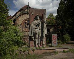 Sanatório Beelitz-Heilstätten foi construído em Berlim em 1898 e ao longo da história tratou pacientes de tuberculose e soldados de diversas nacionalidades