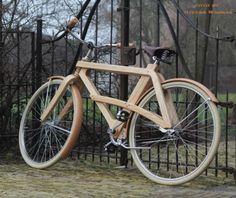Sman Cruisers' Classic Wooden Bikes Take to the Streets With Sustainable Style Side Shot of Sman Cruisers Wood Bike – Inhabitat - Sustainable Design Innovation, Eco Architecture, Green Building Wooden Bicycle, Wood Bike, Velo Design, Bicycle Design, Sustainable Design, Sustainable Fashion, Bike Builder, Biker, Eco Architecture