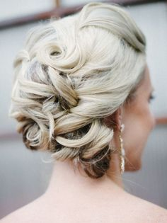 Wedding hairstyle idea; Featured Photographer: Carrie King Photographer
