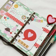 How to Decorate Filofax | Found on anabelleom.blogspot.com