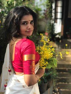 Glamorous Indian Model Anupama Parameshwaran In Hot White Saree Beautiful Girl Indian, Most Beautiful Indian Actress, Beautiful Saree, Beautiful Soul, Indian Photoshoot, Saree Photoshoot, Photoshoot Ideas, Beautiful Bollywood Actress, Beautiful Actresses