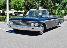 Convertible–a carwith removable roof,whichallowsyouenjoy the nice weatherto the full. This Ford Galaxie 500 XL Convertiblefrom 1962is in additiontheexcelent conditionand is waiting just for you!