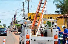Instalação de lâmpadas de #LED foi retomada quase um ano depois de o TCE condenar contrato com a fornecedora –e meses depois de o liberar novamente. Meta agora é colocar luminárias em 80% dos corredores de ônibus. (Foto: PMCG/Divulgação) http://www.comunidadems.com.br/lampadas-de-led-los-angeles/