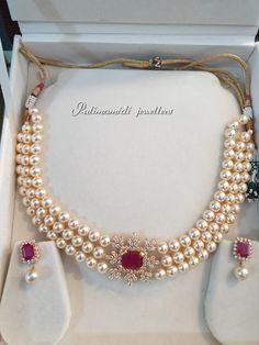 Gold Jewellery Design, Bead Jewellery, Beaded Jewelry, Pearl Jewelry, Pearl Necklace Wedding, Pearl Choker, Pearl Necklace Designs, Necklace Set, Gold Necklace