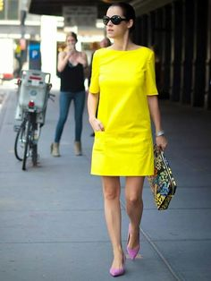 bittersweet colours nyfw nyfw street style street style New York piol dress sophie hulme floral bag cooee jewelry neon yellow dress Ralph Lauren - Yellow Dresses - Ideas of Yellow Dresses Mode Outfits, Chic Outfits, Dress Outfits, Fashion Dresses, Yellow Dress Casual, Neon Yellow Dresses, Pastel Yellow, Simple Dresses, Casual Dresses