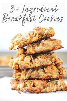 These vegan Peanut Butter Banana Breakfast Cookies have no sugar added and take just 3 ingredients to make. These gluten-free cookies are made with oats and overripe bananas for the perfect grab and go breakfast or healthy snack. Breakfast And Brunch, Banana Breakfast Cookie, Peanut Butter Breakfast, Vegan Peanut Butter, Peanut Butter Banana, Breakfast Recipes, Vegan Breakfast, Breakfast Smoothies, Best Nutrition Food