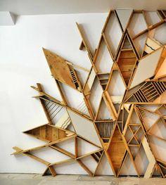 grafische wanddecoratie van (rest)hout