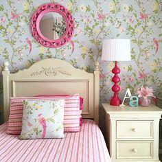 Little girls bedroom, Laura Ashley Summer Palace, pink and florals. @mumlittleloves