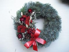 Chvojový věneček malý Christmas Pine Cones, Christmas Wreaths, Xmas Decorations, Autumn, Holiday Decor, Diy, Home Decor, Corona, Decoration Home
