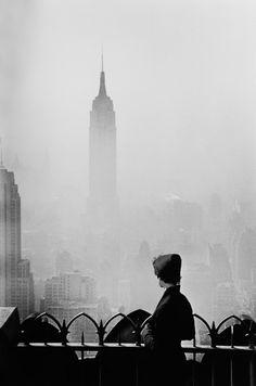 New York. Photographer: Elliott Erwitt (via Magnum Photos) New York City, Paris New York, London, Empire State Building, Magnum Photos, Ansel Adams, City Photography, Vintage Photography, Portrait Photography