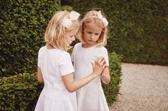 The Baby Dior spring-summer 2016 collection transports us to a place of luxury and refinement that was particularly close to Christian Dior's heart, a Baby Dior, Dior Kids, Christian Dior, Lines For Girls, Girl Outfits, Cute Outfits, Cute Poses, Spring Summer 2016, Sweet Girls
