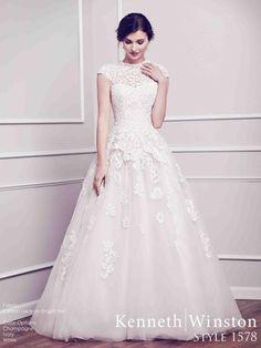 1578 menyasszonyi ruha