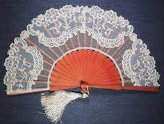 Resultado de imagen de bordados en tul y dibujos Needle Lace, Hand Fan, Stencils, Cute, Wedding, 3d, Craft, Dresses, Fashion