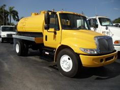 This 2007 International 4300 CLASS 6 Heavy Duty Truck is available with NEW Heavy Duty 2200 Gal.You can contact to Michael (786)-554-0892 or George (954)-558-0816 Get more details and free price quote at http://www.global-trucktrader.com/used-trucks/2007/heavy-duty/international/4300/class-6/8455/
