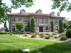 Gissel thinks this might be Russel Stover's house. Description from paloma81.blogspot.com. I searched for this on bing.com/images