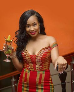 Dear Fashion Savvy Ladies, We are writing to let you know that kente has come to impress us with amazing designs. Kente is not as common as Ankara which makes it an appealing fabric. African Wedding Dress, African Fashion Ankara, Latest African Fashion Dresses, African Dresses For Women, African Print Fashion, African Attire, African Shop, Ghana Fashion, African Style
